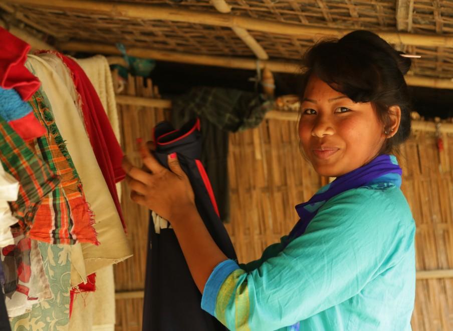 Kalsindur Moyana beim Wäsche aufhängen2