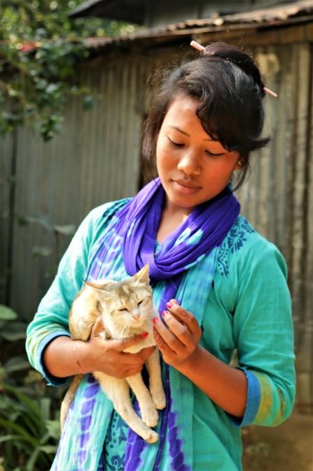 Kalsindur Moyana mit Katze