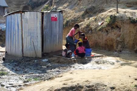 camp wasserstelle neben klo