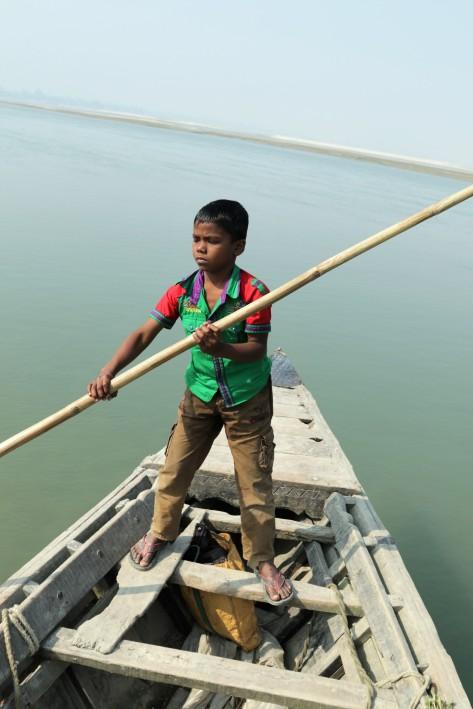 Gaibandha Junge auf Boot