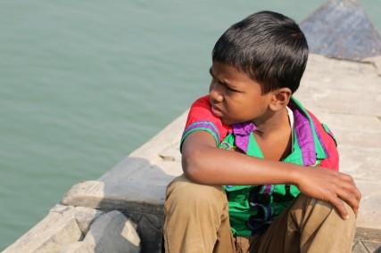 Gaibandha Junge auf Boot3