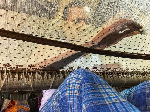 N-sp4-MAIN-and-ENDER-Weaver-Nurul-Amin-in-loom-7718-1200-pixHR-copy