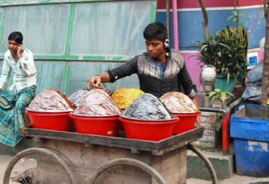 old dhaka straßenhändler