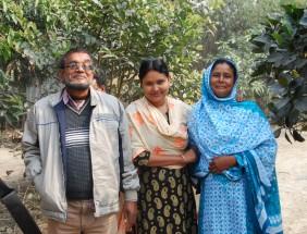 Laily mit Familie Char Charita Bari (259)